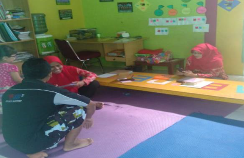 Peningkatan Keterampilan Administrasi Berbasis TIK Untuk Guru Paud Kober Al-Barokah Bandung