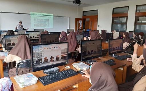 Dosen Prodi Informatika Mengajarkan Penggunaan Internet Sehat Dan Aman Untuk Siswa/I Madrasah Ibtidaiyah Negeri 1 Bandung